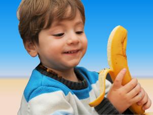 Deniz entdeckt die Banane